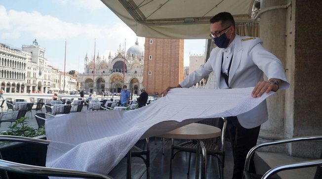 Effetto Covid, crollo dei prezzi degli hotel nelle città d'arte: Venezia segna -22,2%