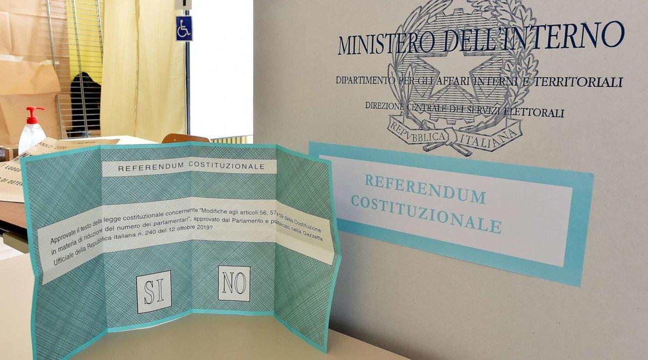 Aperti in tutta Italia i seggi per le elezioni e il referendum