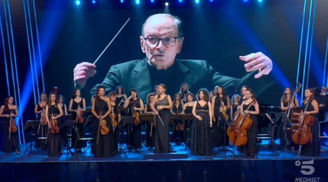"""Omaggio a Morricone dalla Women Orchestra: i giudici di """"Tu si que vales"""" in lacrime"""