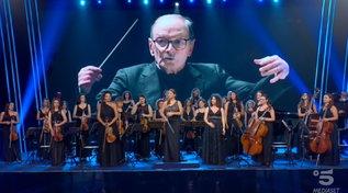"""Omaggio della Women Orchestra a Ennio Morricone: i giudici di """"Tu si que vales"""" in lacrime"""