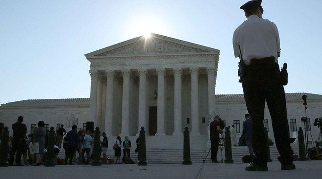 Corte Suprema Usa, Trump nominerà a breve una donnadopo la morte diRuth Bader Ginsburg