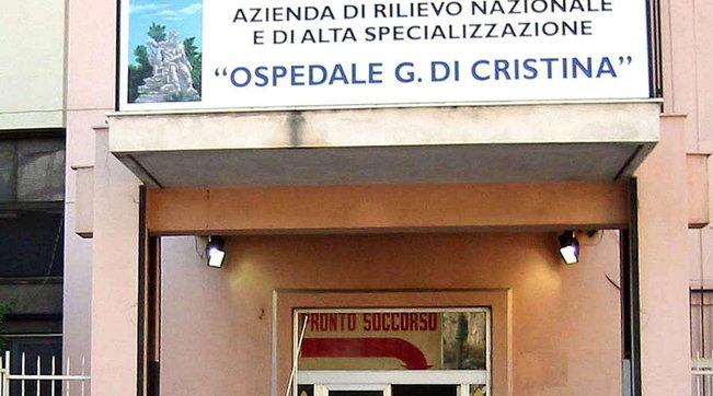Palermo, otto ore in macchina in attesa del tampone: l'odissea di una bimba di 18 mesi