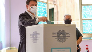 Election day, seggi aperti: i big al voto