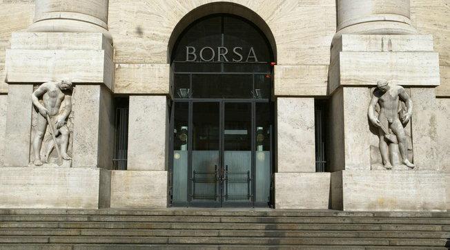 Borsa, Milano in profondo rosso | I mercati europei temono il nuovo lockdown
