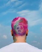 Fedez si è messo in testa l'arcobaleno