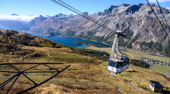 Autunno in Engadina: trekking, sci, o fuga romantica?