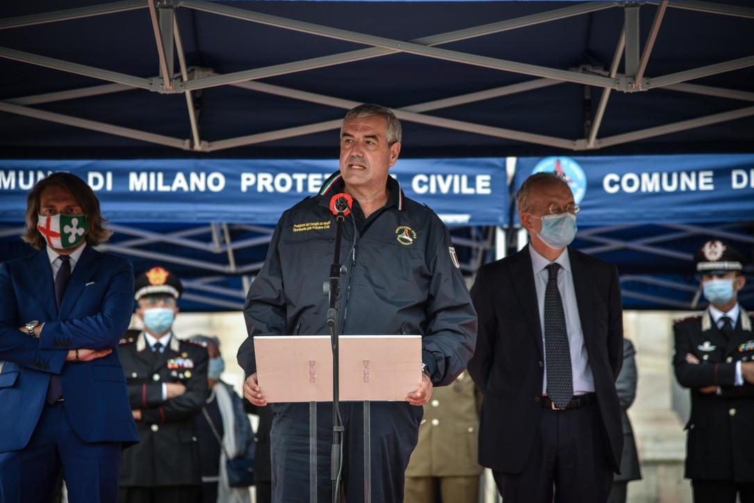 Coronavirus, Milano ringrazia la Protezione civile per il lavoro svolto durante il lockdown