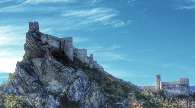 L'Abruzzo si racconta con eremi e castelli