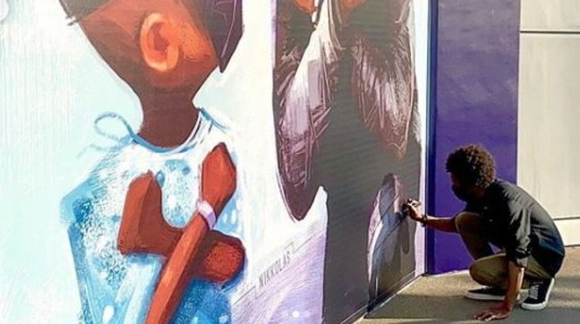 A Disneyland inaugurato un murale dedicato a Chadwick Boseman