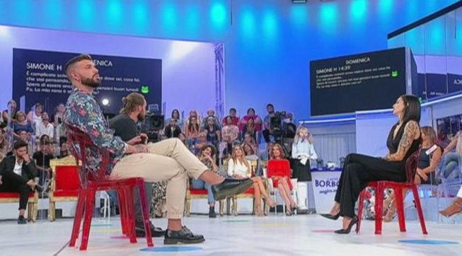 """""""Uomini e Donne"""", Jessica esce con Davide provocando la delusione di Simone"""