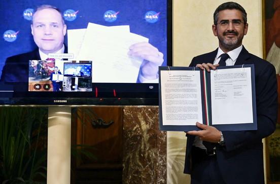 Spazio,accordo storico tra Italia e Usa per esplorare la Luna