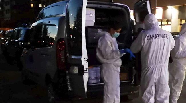 """Torino, uccide la moglie e si suicida   I parenti della donna avevano attivato un """"Codice rosso""""   Video"""