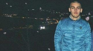 """Gli sparano dopo una lite per la viabilità: un 21enne vivrà senza gambe   La famiglia: """"Aiutateci a scoprire chi ha colpito Gaetano"""""""