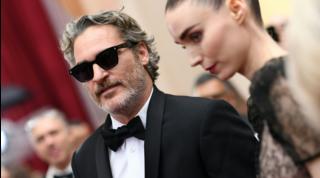 Primo figlio per Joaquin Phoenix e Rooney Mara: si chiama River