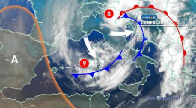 Anticipo d'inverno: al Sud la temperatura continua a scendere  Il maltempo flagella Sarno