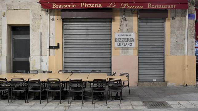 Coronavirus, nuove restrizioni in Francia: divieti a Marsiglia e Parigi