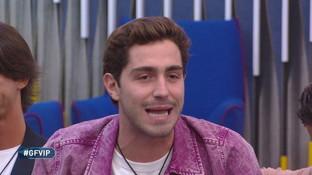 """""""Garko porta la gonna"""", Signorini rimprovera Tommaso Zorzi: """"Non fa ridere"""""""