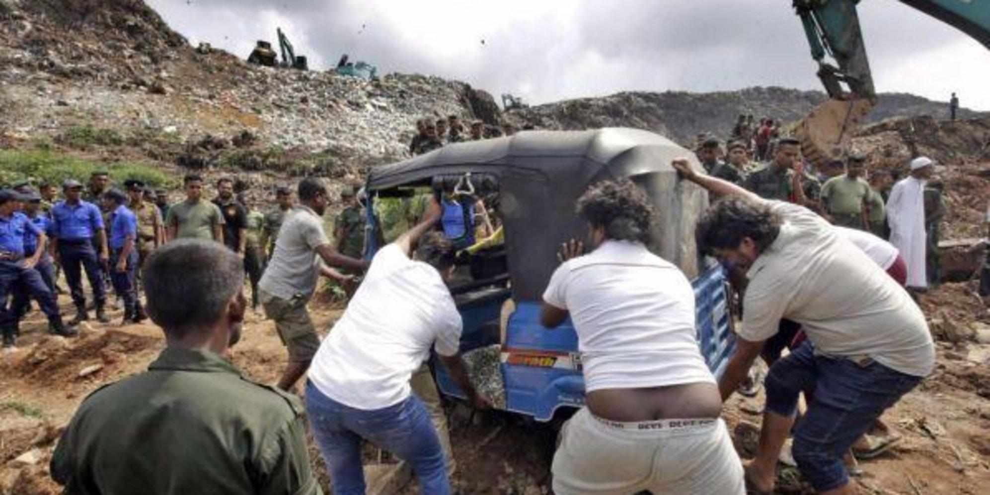 La guerra dei rifiuti, lo Sri Lanka rispedisce in Gran Bretagna 21 container di spazzatura