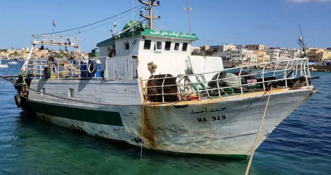 """Motovedetta italiana speronata dal peschereccio tunisino """"Mohanel Anmed"""""""