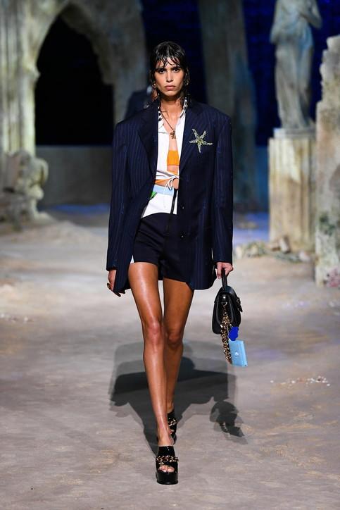 Jo Squillo: Versace, la collezione per l'estate 2021