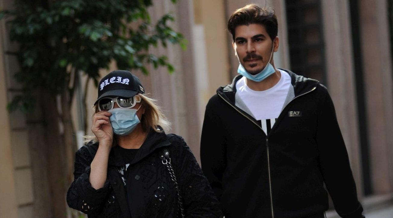 Lory Del Santo e Marco Cucolo, shopping in centro a Milano