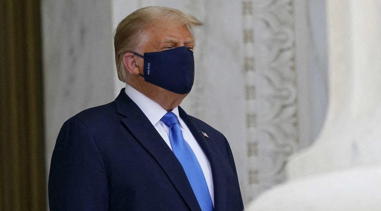 Coronavirus, Trump e l'avversione alla mascherina: poche volte usata in pubblico