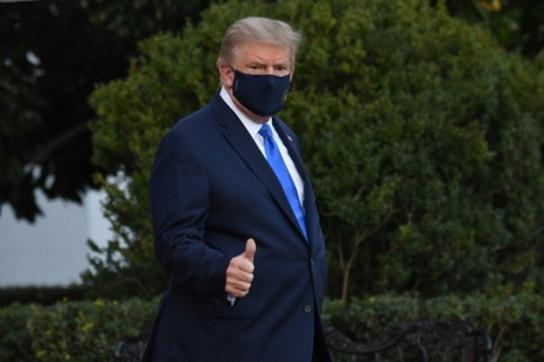 """Coronavirus, Trump in ospedale per """"precauzione"""""""