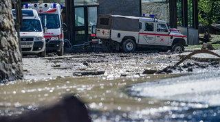 Il maltempo flagella il Nord: due dispersi tra Piemonte e Lombardia | Vigile del fuoco morto ad Aosta, una vittima nel Vercellese