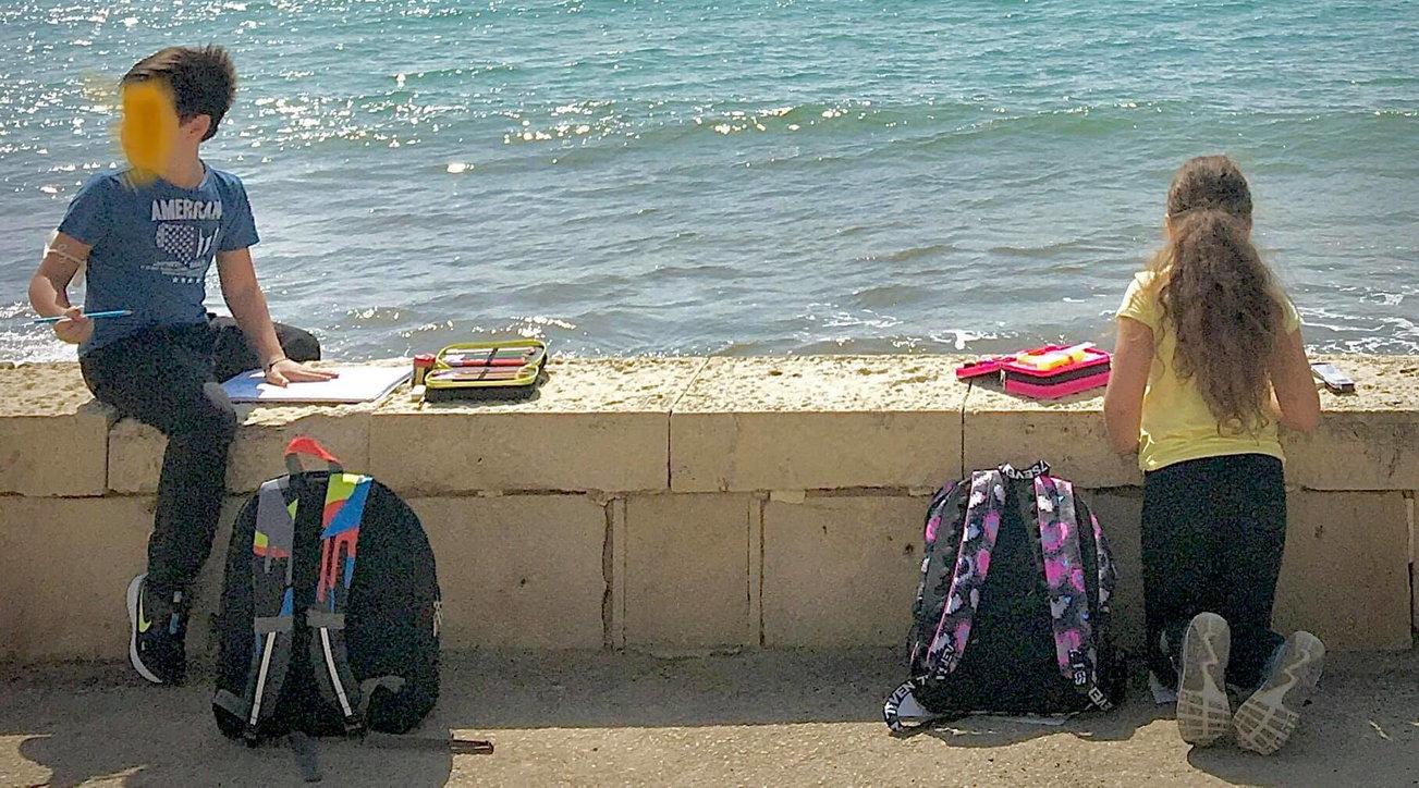Coronavirus, a Donnalucata (Ragusa) la lezione si fa in riva al mare