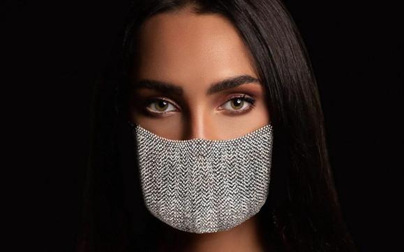 Coronavirus, arriva la mascherina di diamanti: è la più costosa al mondo