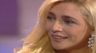 Tanti auguri a Mara Venier: rivediamo la sua emozione ai Telegatti per il premio alla figlia Elisabetta