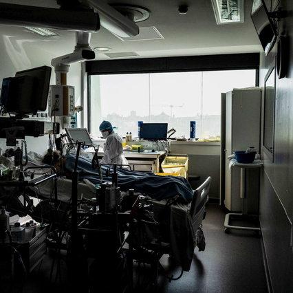 Coronavirus, oltre 18mila casi in Francia nelle ultime 24 ore Ospedali sotto pressione a Parigi