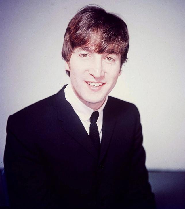 80 anni fa nasceva John Lennon: guarda le sue foto