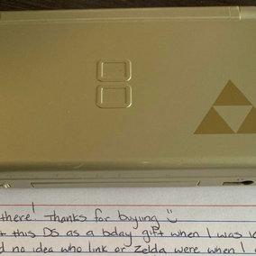 Usa: ragazzo acquista una console usata e trova una commovente lettera della vecchia proprietaria