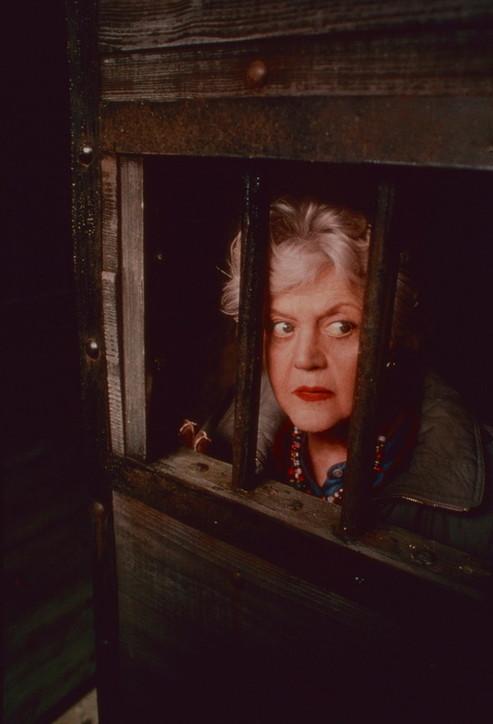 """Angela Lansbury compie 95 anni: guarda le foto della mitica """"Signora in giallo"""""""