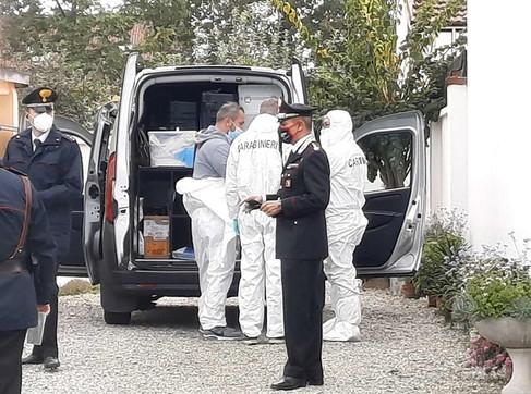 Torino, donna trovata morta in casa: uccisa a coltellate