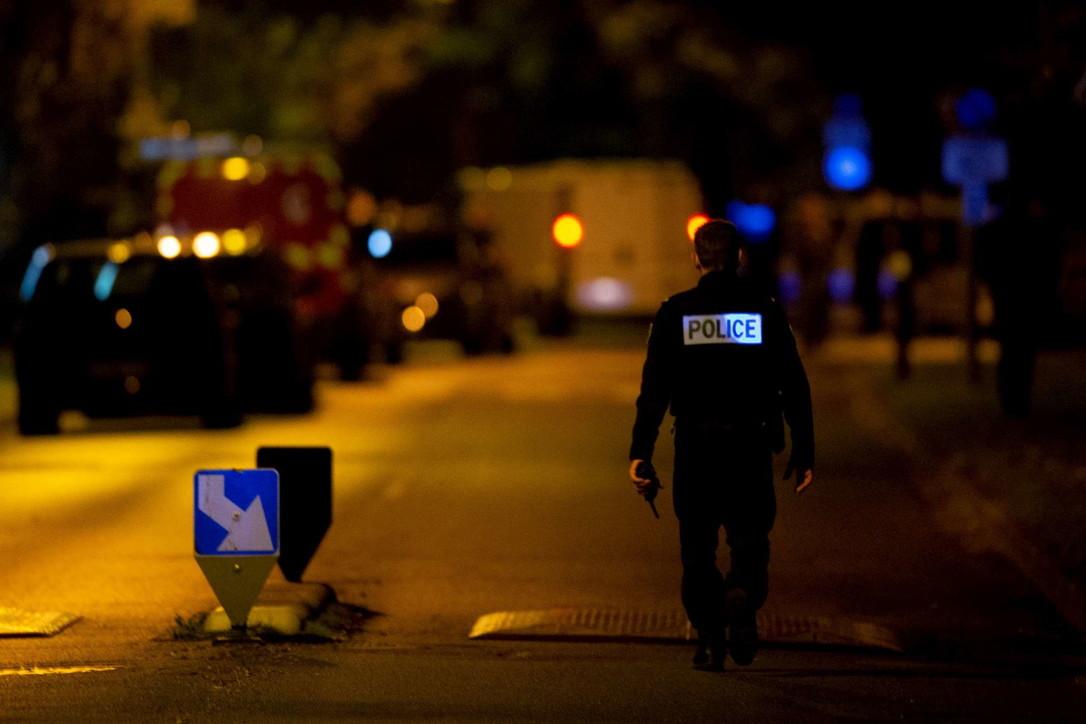 """Professore decapitato, Macron: """"Chiaro attentato terrorista islamico"""