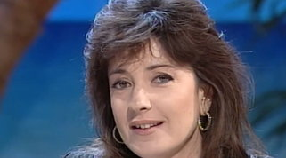 """Buon compleanno Barbara Palombelli: rivediamola a """"Non è la Rai"""" nel 1994"""