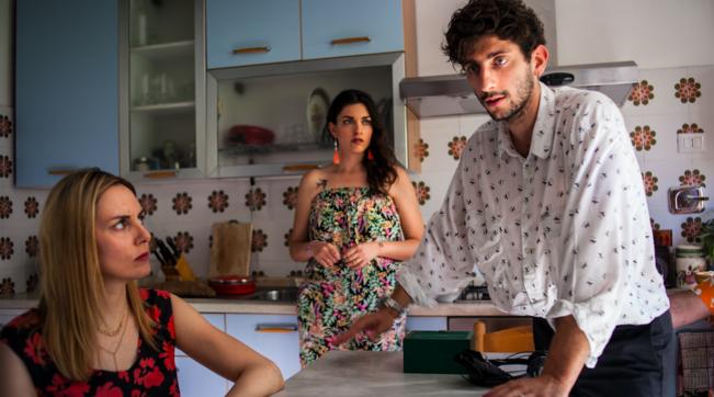 """Al cinema """"I predatori"""", l'esordio alla regia di Pietro Castellitto: una commedia nera e surreale"""