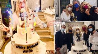 Festa mascherata per Mara Venier, guarda le foto del compleanno con la Marcuzzi