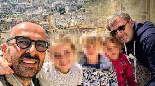 """Andrea, padre gay, chiese aiuto al Papa per i tre figli e Francesco gli rispose: """"Andrà tutto bene"""""""