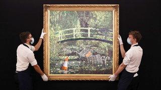 """Venduto all'asta per 7,6 milioni di sterline """"Show Me the Monet"""" di Banksy"""