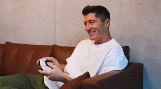 PlayStation 5 è già nelle mani di Robert Lewandowski, ecco le prime foto