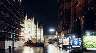 Il centro di Milano durante il coprifuoco: panorama spettrale