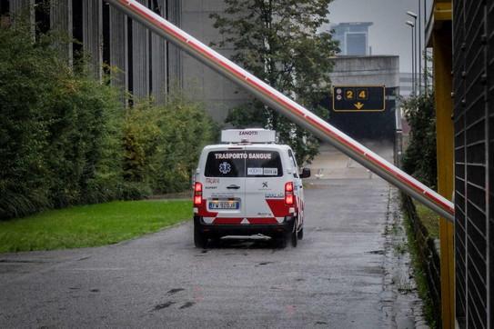 Milano, riapre l'ospedale Covid in Fiera: arrivano i primi pazienti