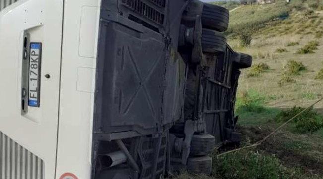 Scontro tra pullman e auto nel Trapanese: due vittime