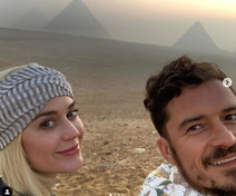 Orlando Bloom e le cartoline d'amore per Katy Perry