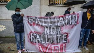 Ristoratori in protesta a Milano: rivedere il Dpcm