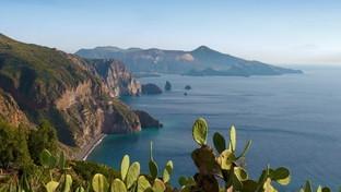 Lipari nelle Eolie, tra le perle più preziose del Mediterraneo