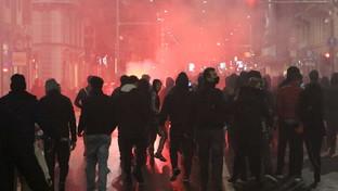 Proteste anti-Dpcm, scontri a Milano tra manifestanti e forze dell'ordine